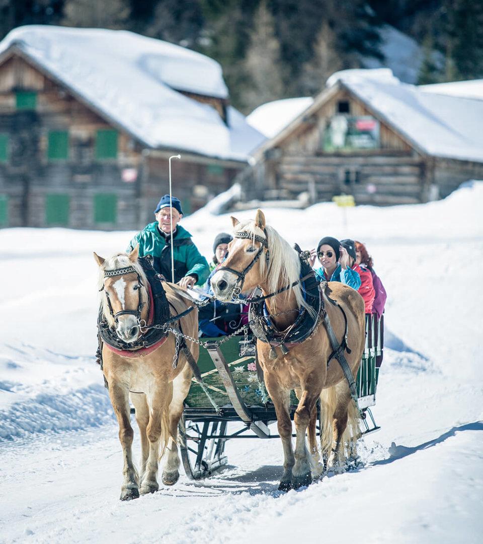 Schlittenfahren im Hotel Schneider, Obertauern (c) Tourismusverband Obertauern
