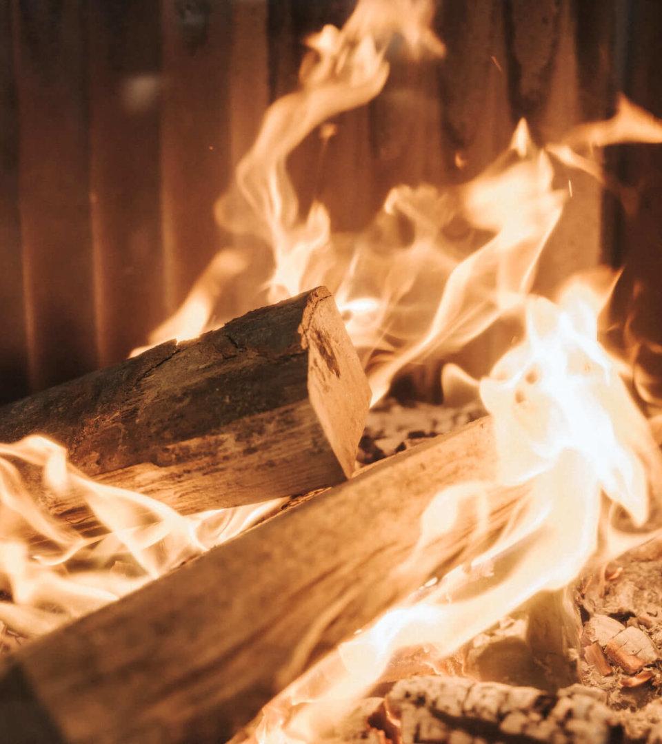 Kaminfeuer im Hotel Schneider, Obertauern